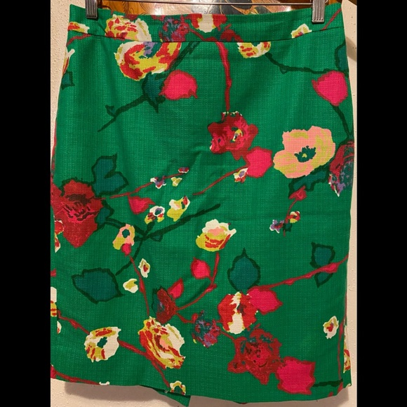 J. Crew Pencil Green Floral Skirt Size 6